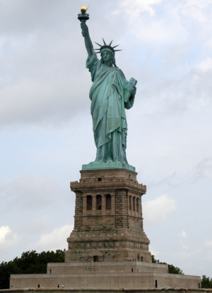 Statue_of_LibertyA_300